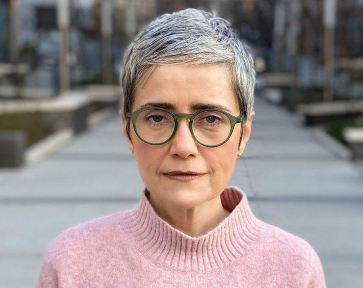 Debora Diniz de peprfil; antropóloga fala sobre pós-pandemia de Covid-19